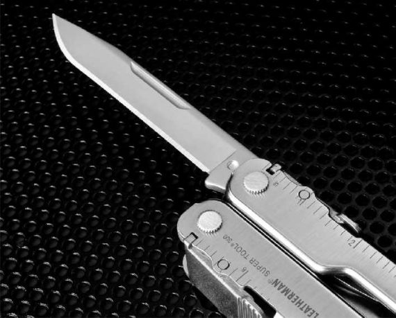 leatherman SuperTool300 KNIFE DETAIL 11